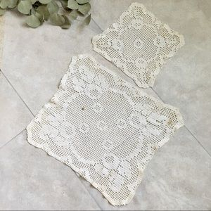 ** $2 SALE ** Vintage 50s Hand Crocheted Doilies